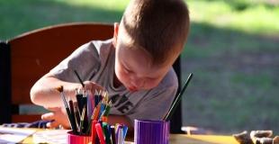 Avantages cognitifs aux enfants bilingues