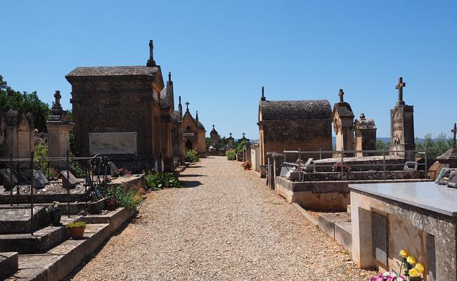 Famille : La charge des frais d'obsèques