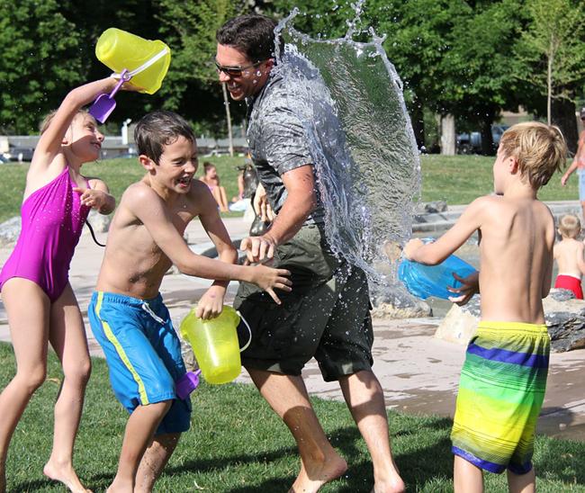 jeux d'eau lors d'une cousinade